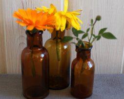 Äldre små flaskor i brunt glas   Set med 3